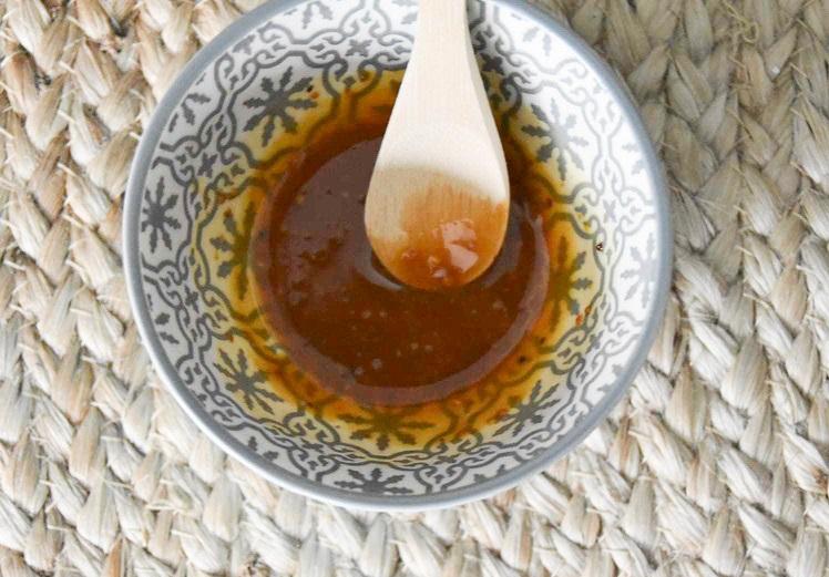 Mélange masque bienfaisant au miel et au pollen après